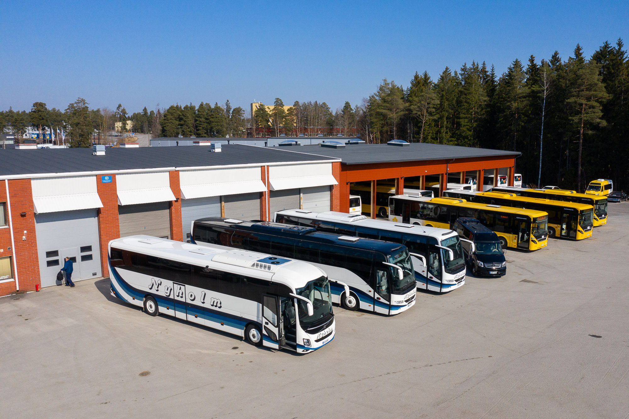 Tilausliikenne Nyholm bussit
